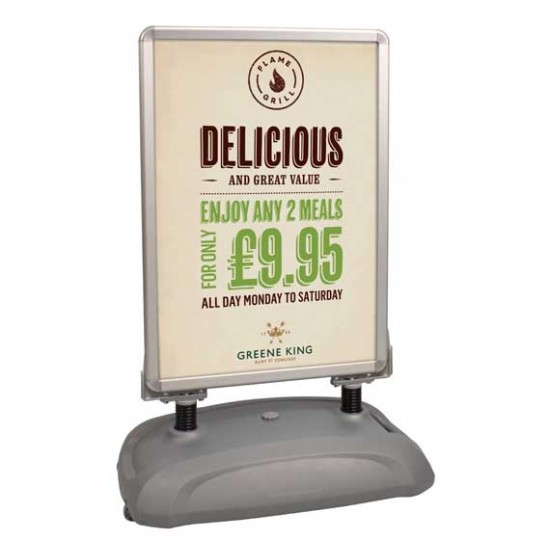 Sightmaster 3 - Forecourt swing sign